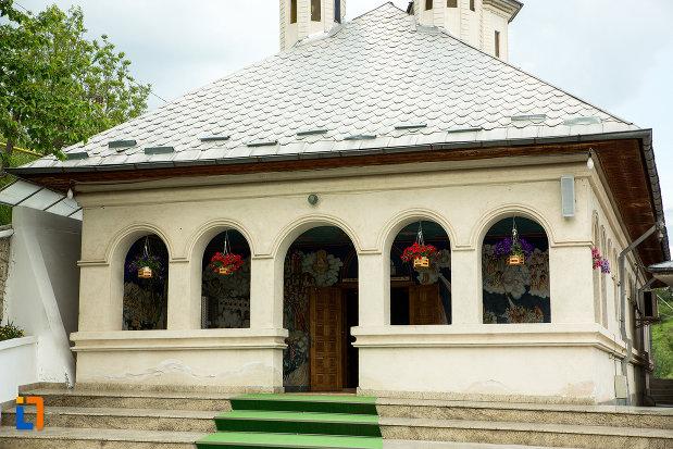 cladire-de-la-manastirea-clocociov-din-slatina-judetul-olt.jpg