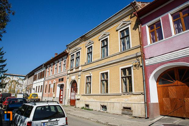 cladire-fosta-scoala-din-orastie-judetul-hunedoara-monument-istoric.jpg