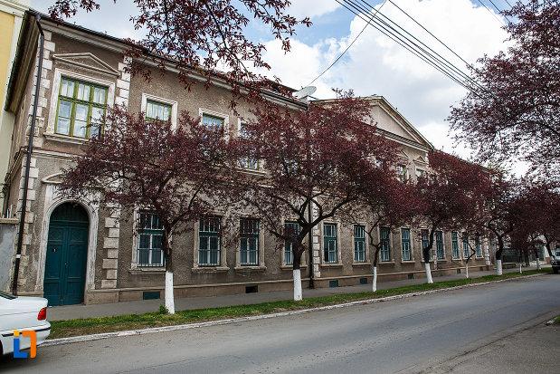 cladire-monument-istoric-din-hunedoara-judetul-hunedoara.jpg