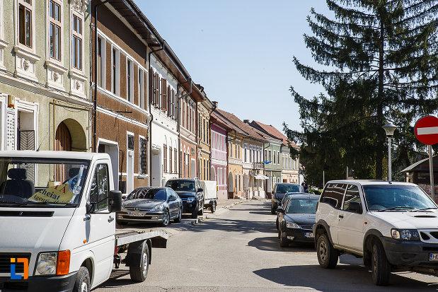 cladiri-aflate-in-ansamblul-urban-piata-victoriei-din-orastie-judetul-hunedoara.jpg