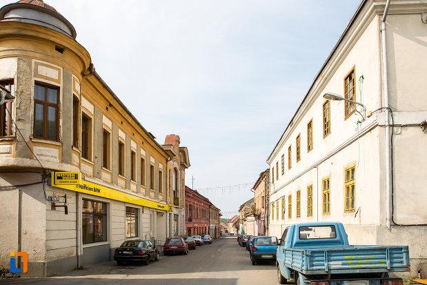 cladiri-vechi-din-orasul-oravita-judetul-caras-severin.jpg