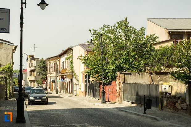 cladirile-din-ansamblul-urban-str-mihai-eminescu-din-slatina-judetul-olt.jpg