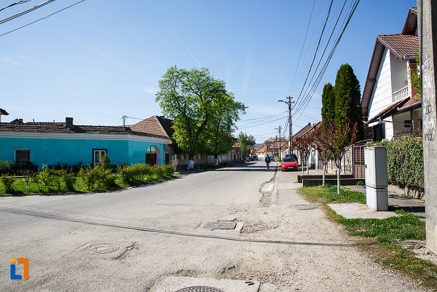 cladirile-din-ansamblul-urban-str-primaverii-din-orastie-judetul-hunedoara.jpg