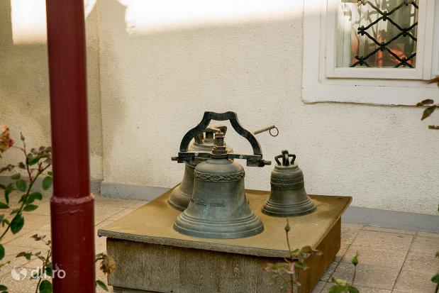 clopote-din-muzeul-de-istorie-si-arheologie-din-baia-mare-judetul-maramures.jpg