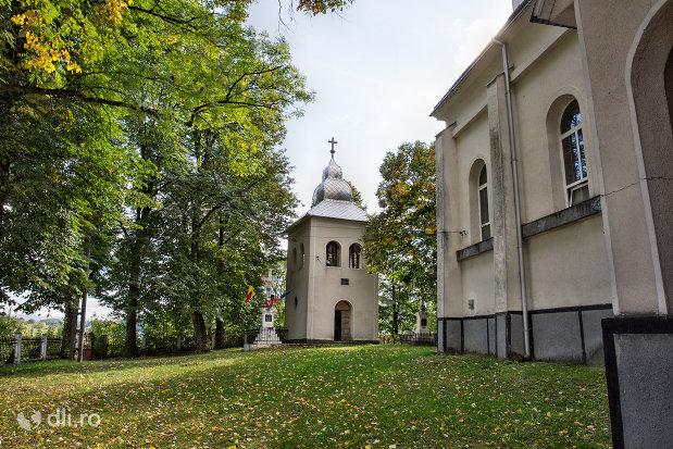 clopotnita-de-la-biserica-din-camarzana-judetul-satu-mare.jpg