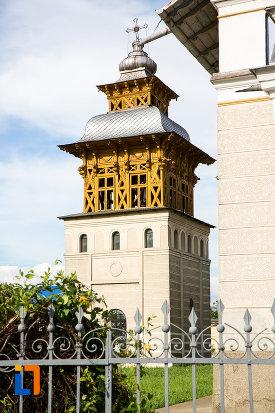 clopotnita-de-la-biserica-sf-nifon-sarbi-1852-din-targoviste-judetul-dambovita.jpg