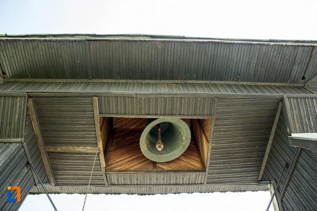 clopotul-de-la-biserica-cuvioasa-paraschiva-din-ruscior-judetul-olt.jpg