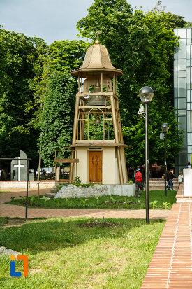 clopotul-de-la-biserica-nasterea-sf-ioan-botezatorul-1664-din-focsani-judetul-vrancea.jpg