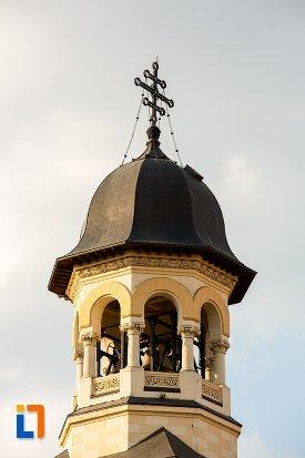 clopotul-de-la-catedrala-reintregirii-din-alba-iulia-judetul-alba.jpg