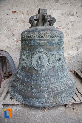 clopotul-de-la-manastirea-sf-ioan-cel-nou-din-suceava-judetul-suceava.jpg