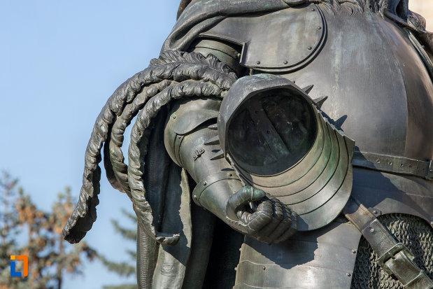 coif-din-ansamblul-statuia-lui-matei-corvin-din-cluj-napoca-judetul-cluj.jpg