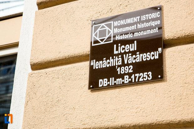 colegiul-national-ienachita-vacarescu-din-targoviste-judetul-dambovita-monument-istoric.jpg
