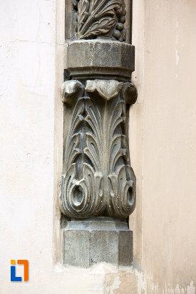 coloana-de-la-muzeul-municipal-din-campulung-muscel-judetul-arges.jpg