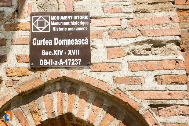 complexul-monumental-curtea-domneasca-din-targoviste-judetul-dambovita-monument-istoric.jpg