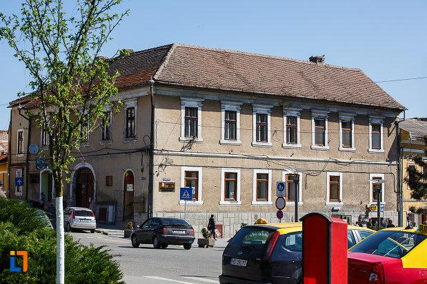consiliul-local-biblioteca-municipala-din-orastie-judetul-hunedoara.jpg