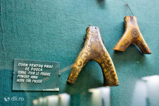 corn-pentru-praful-de-pusca-muzeul-etnografic-al-maramuresului-din-sighetu-marmatiei-judetul-maramures.jpg