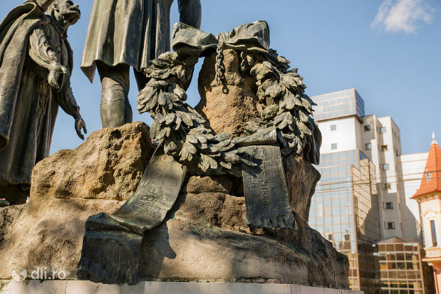 coroana-din-statuia-wesselenyi-din-zalau-judetul-salaj.jpg