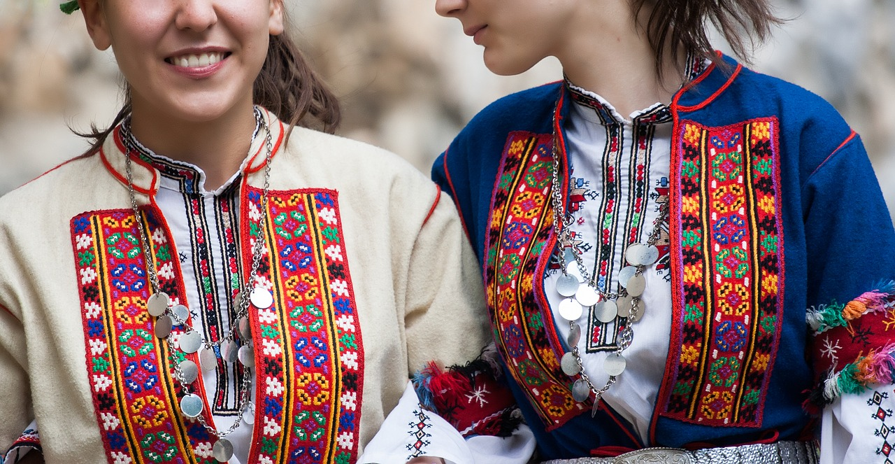costum folk Bulgaria