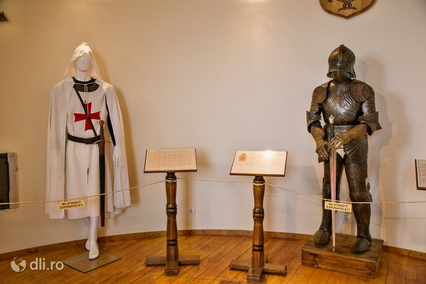 costum-si-armura-de-cavaler-cetatea-din-ardud-judetul-satu-mare.jpg