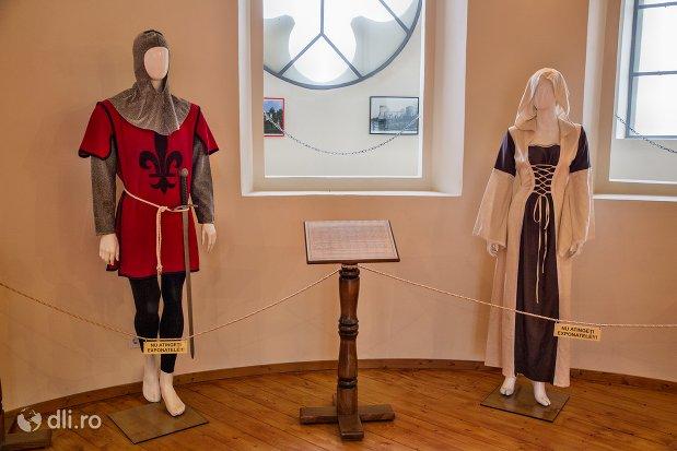 costume-medievale-din-cetatea-din-ardud-judetul-satu-mare.jpg