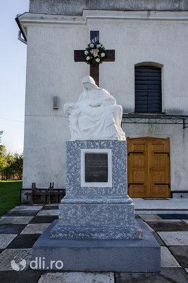 cruce-biserica-greco-catolica-acoperamantul-maicii-domnului-din-livada-satu-mare.jpg