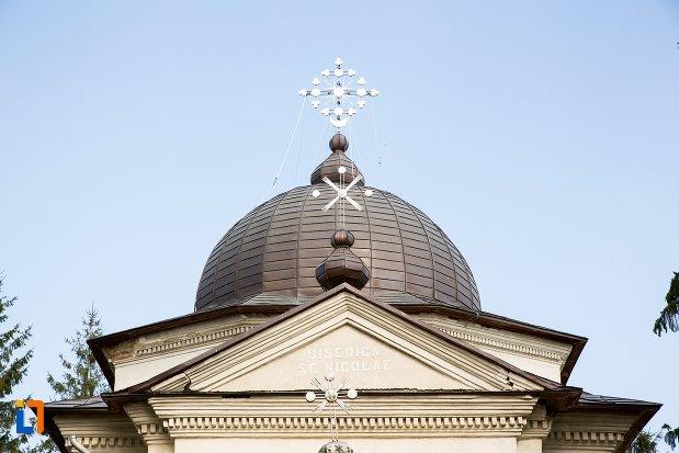 cruce-de-la-ansamblul-bisericii-sf-nicolae-din-darabani-judetul-botosani.jpg