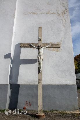 cruce-de-la-biserica-romano-catolica-din-cavnic-judetul-maramures.jpg