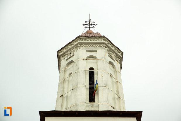 cruce-de-pe-biserica-adormirea-maicii-domnului-din-bailesti-judetul-dolj.jpg