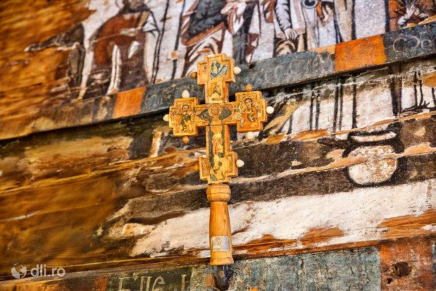 cruce-din-biserica-de-lemn-sf-arhangheli-din-borsa-judetul-maramures.jpg