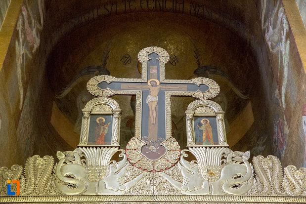 cruce-din-catedrala-ortodoxa-a-vadului-feleacului-si-clujului-din-cluj-napoca-judetul-cluj.jpg
