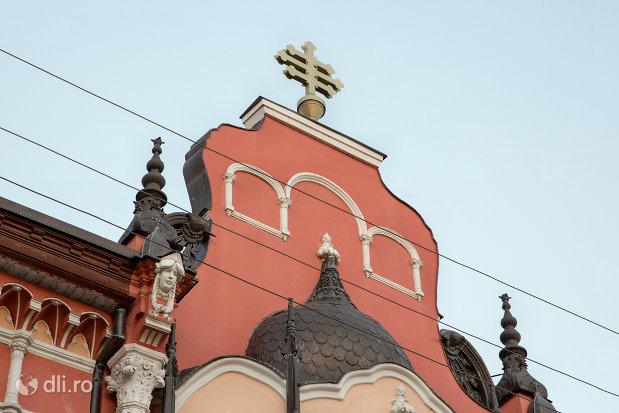 cruce-pe-patriarhia-romana-episcopia-ortodoxa-romana-a-oradei-palatul-rimanoczy-junior-din-oradea-judetul-bihor.jpg