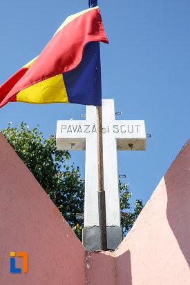 crucea-de-la-monument-eroilor-din-salcea-judetul-suceava.jpg