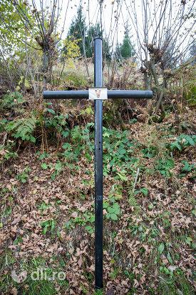 crucea-v-capela-catolica-din-cavnic-judetul-maramures.jpg