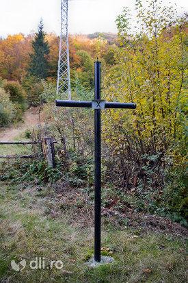 crucea-x-capela-catolica-din-cavnic-judetul-maramures.jpg