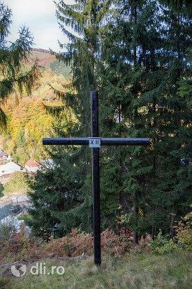 crucea-xii-capela-catolica-din-cavnic-judetul-maramures.jpg