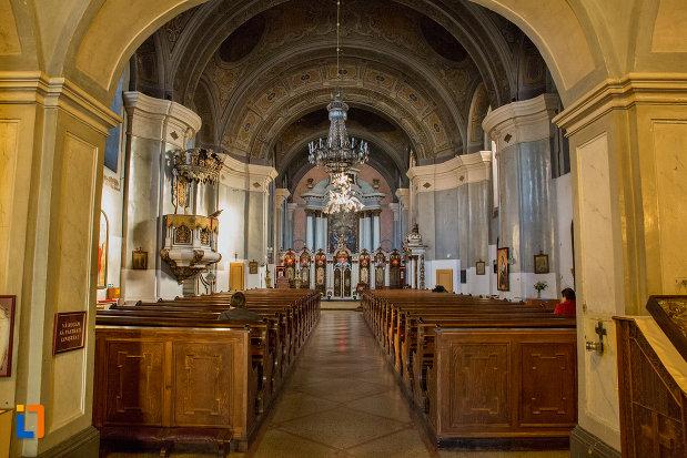 culoar-interior-catedrala-greco-catolica-schimbarea-la-fata-din-cluj-napoca-judetul-cluj.jpg