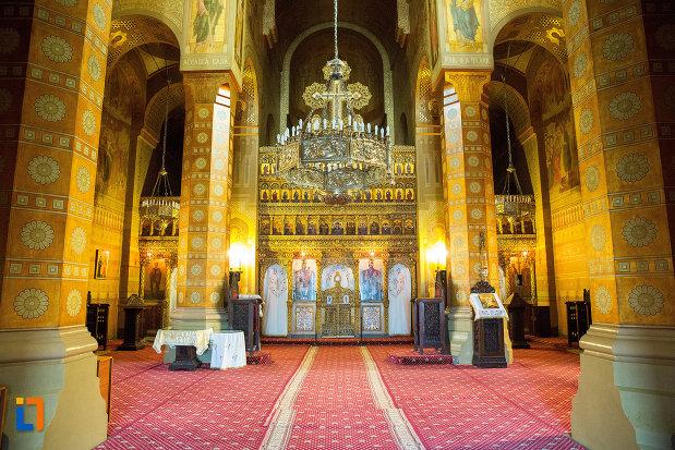 culoar-intern-catedrala-mitropolitana-sf-dimitrie-din-craiova-judetul-dolj.jpg