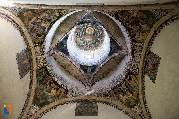 cupola-de-la-manastirea-stelea-din-targoviste-judetul-dambovita.jpg
