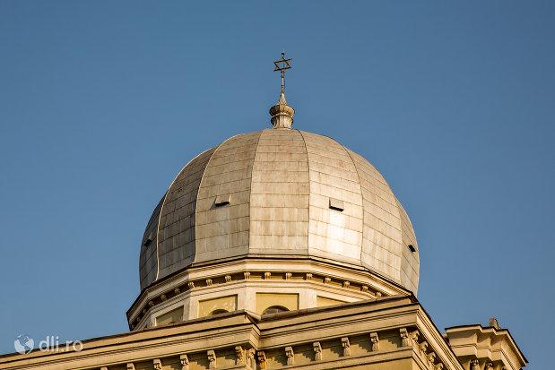 cupola-de-pe-sinagoga-bd-independentei-din-oradea.jpg
