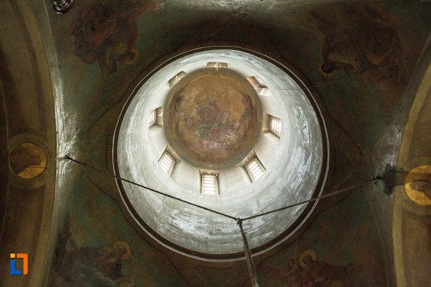 cupola-din-biserica-grecescu-din-drobeta-turnu-severin-judetul-mehedinti.jpg