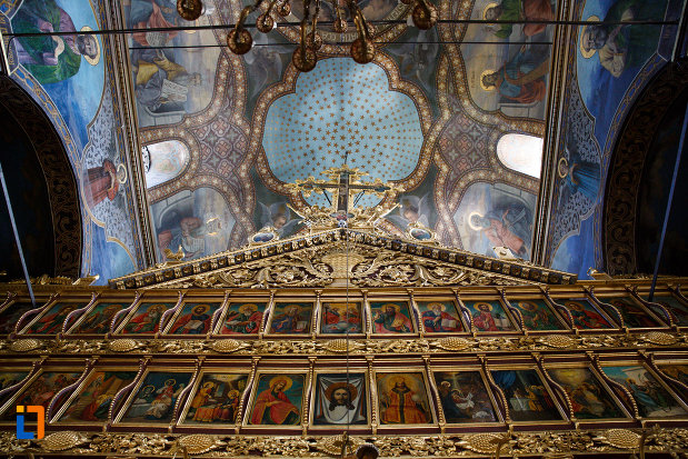 cupola-din-biserica-sf-gheorghe-din-tulcea-judetul-tulcea.jpg