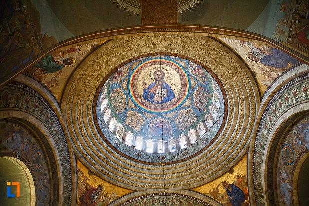 cupola-din-catedrala-ortodoxa-sf-arhangheli-mihail-si-gavril-din-orastie-judetul-hunedoara.jpg