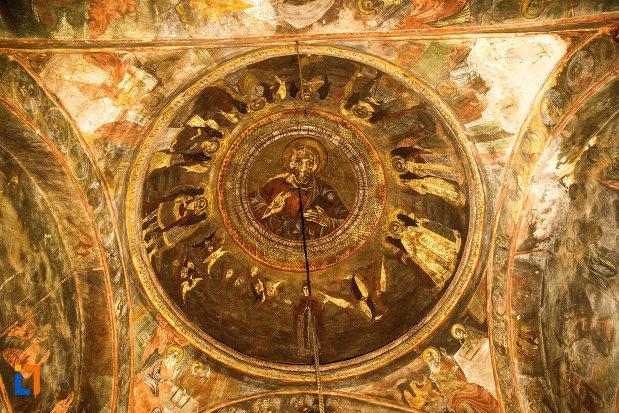 cupola-din-manastirea-strehaia-judetul-mehedinti.jpg