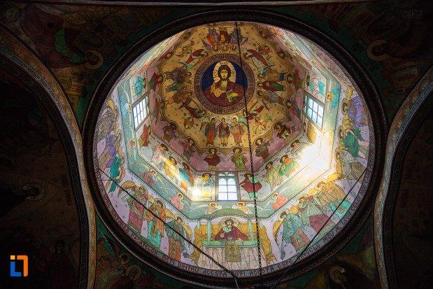 cupola-dion-biserica-sf-nicolae-din-buzau-judetul-buzau.jpg