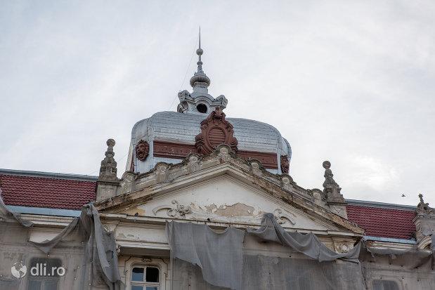 cupola-palatul-finantelor-din-oradea-judetul-bihor.jpg