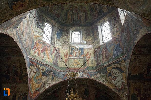 cupola-pictata-de-la-manastirea-negru-voda-din-campulung-muscel-judetul-arges.jpg