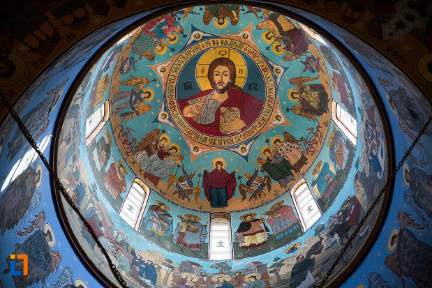 cupola-pictata-din-biserica-ortodaxa-sf-gheorghe-din-mangalia-judetul-constanta.jpg