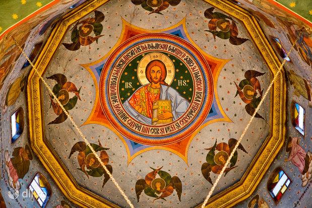 cupola-pictata-din-biserica-ortodoxa-sfanta-treime-din-zalau-judetul-salaj.jpg