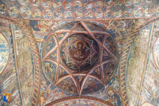 cupola-pictata-din-biserica-sf-dumitru-din-suceava-judetul-suceava.jpg