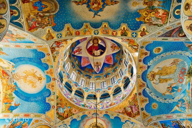 cupola-pictata-din-catedrala-ortodoxa-sfanta-vineri-din-zalau-judetul-salaj.jpg